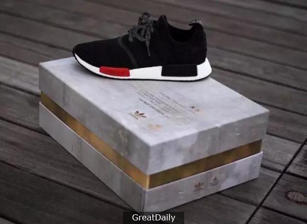 你腳上NMD的「前世今生」都在鞋盒上