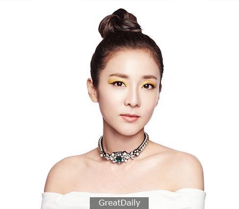 G-Dragon和Dara助陣自家彩妝品牌 全新代言氣墊粉底