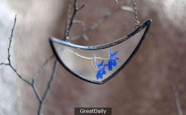 女子到處收集掉落的樹葉和花瓣,最後做出來的東西簡直美呆了!